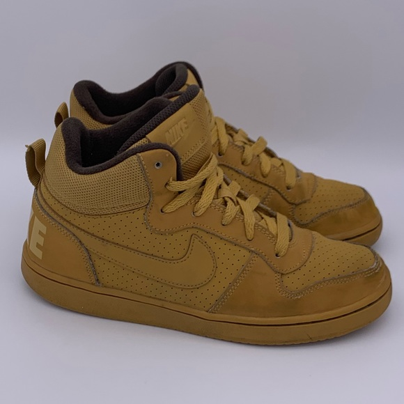 Nike Other - Nike court Borough Mid GS wheat brown
